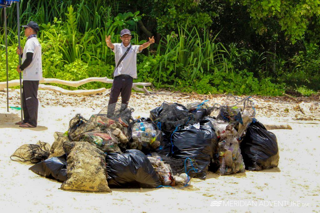 Waisai Beach Clean UP