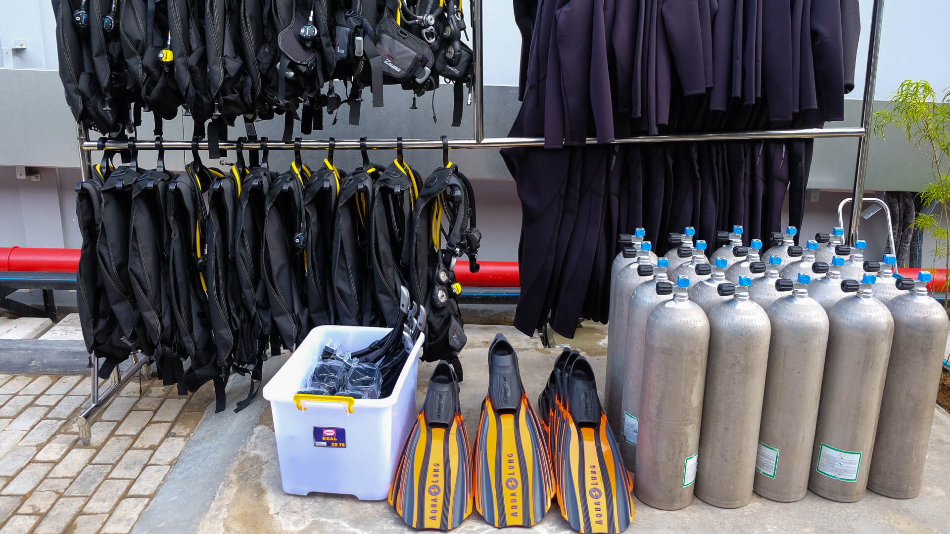 Aqualung Equipment included in Training